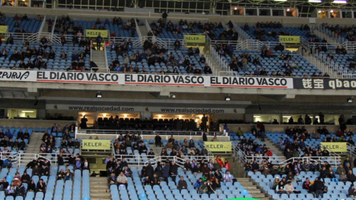 Woman hit on head by seat at Anoeta during Málaga defeat