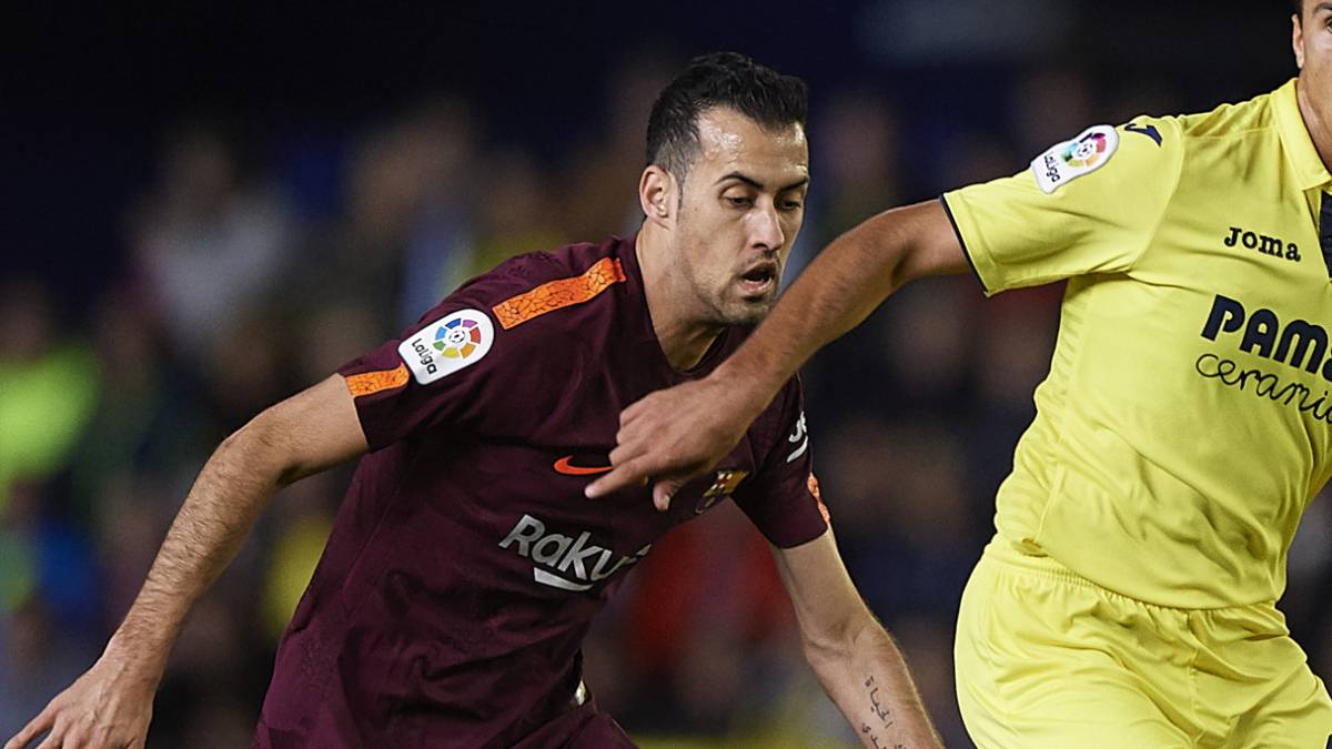 Barcelona's Busquets one yellow card from missing El Clásico