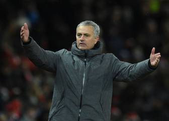 Mourinho accuses Man City of lack of 'education'