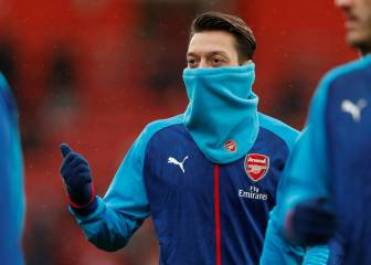 Özil set to choose United ahead of Barcelona