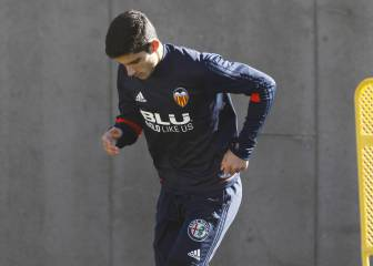 Valencia deny reported Guedes deal with Paris Saint-Germain
