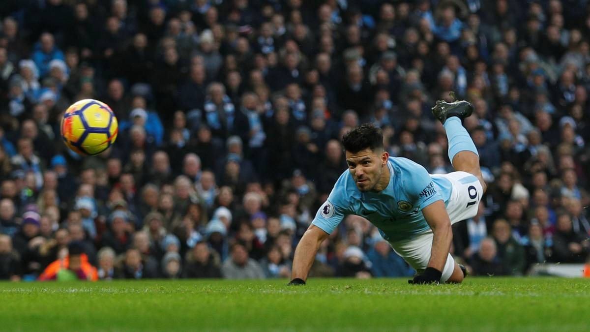Agüero responde a Guardiola y el City sigue de récord