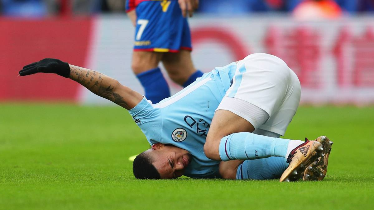 Manchester City's Gabriel Jesus off in tears with knee injury