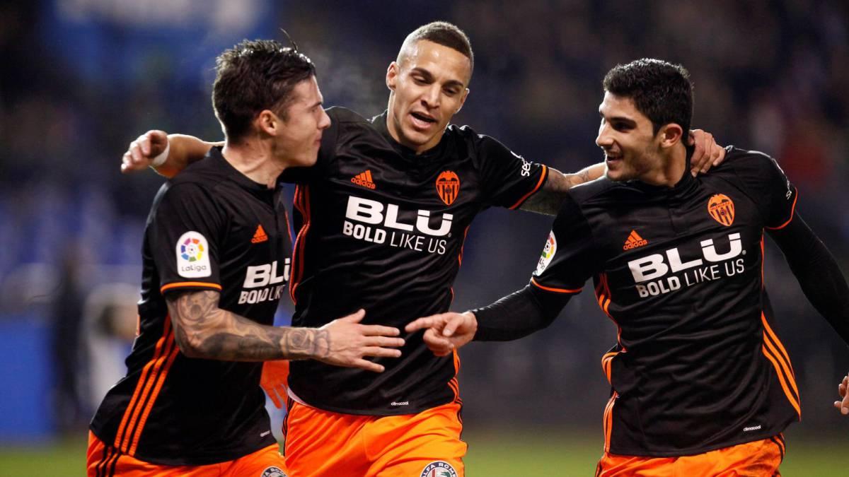 Rubén pone en bandeja con su pifia el triunfo del Valencia