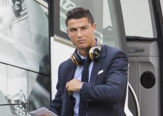 Florentino prepared to listen to offers for Cristiano