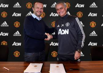 Mourinho extends contract with Manchester United