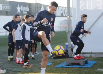 Marcelino to call on Coquelin at centre-half against Real Madrid