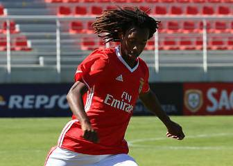 Real Madrid and PSG eyeing Benfica youngster Jair Tavares