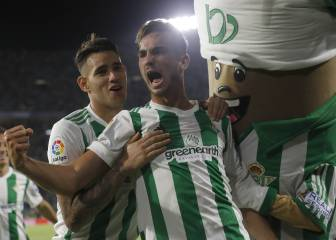 Real Madrid, Barça target Fabián signs new deal at Betis