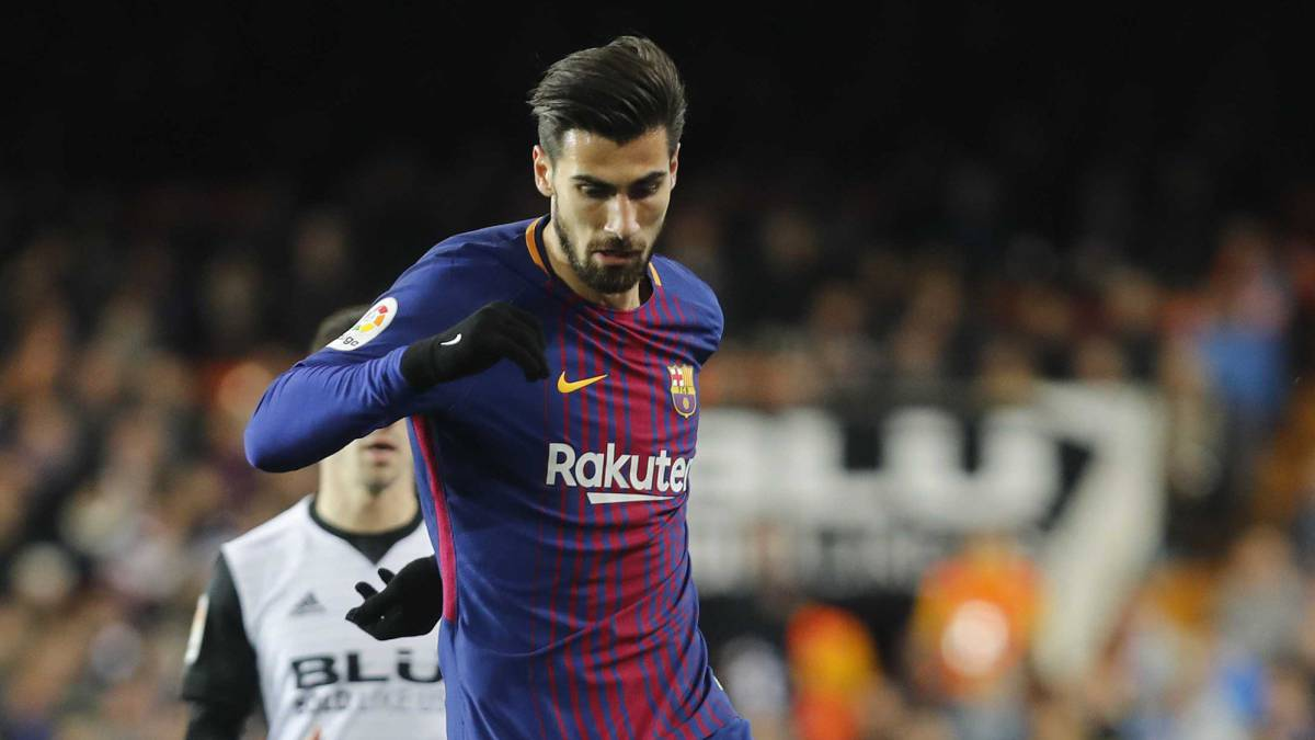 André Gomes: Barcelona set to listen to offers for midfielder