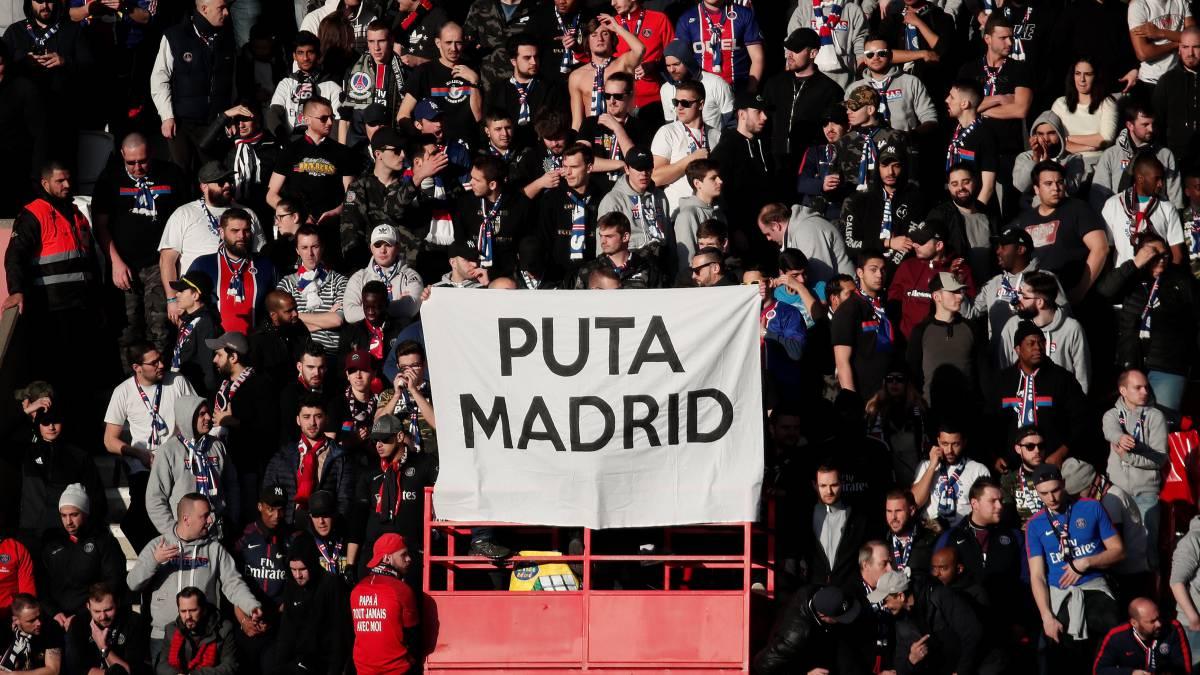 Pancarta en el estadio del PSG, rival del Real Madrid en Champions.