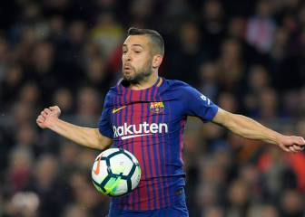 Jordi Alba successfully forces a booking, Suárez tries and fails