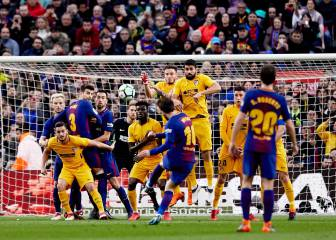 A magical Messi free-kick gives eight points lead to Barcelona