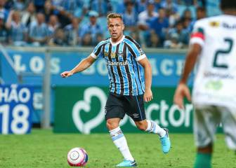Barcelona confirm Arthur capture for 30 million euros