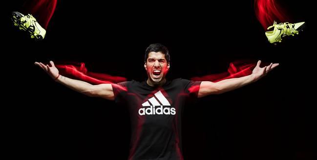 Luis Suárez es de Adidas.