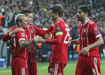 Bayern breeze into last eight with record win for Heynckes