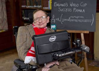Stephen Hawking's theory on how to take the perfect penalty