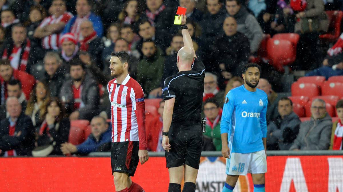 Pañolada tras la estocada del Marsella al Athletic