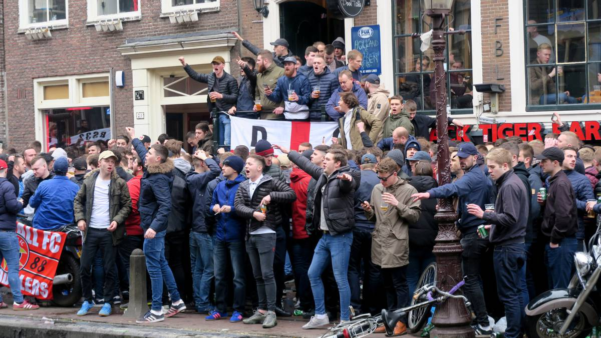 Amsterdam altercations: 100 England hooligans detained