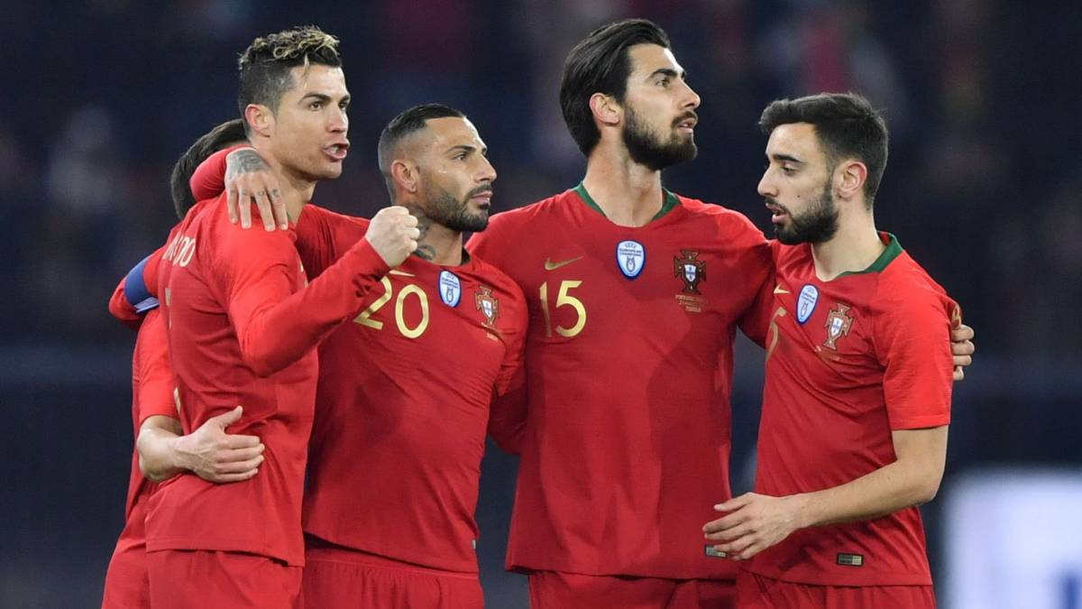 Ronaldo's last-gasp two-goal show steals Salah limelight