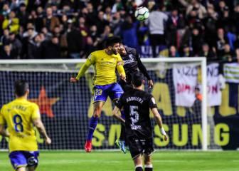 El Huesca empata y sigue líder