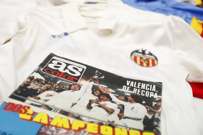 abd16aaedc757 Valencia Historias del Valencia colgadas de un perchero - AS.com