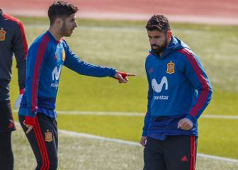 Lopetegui plays Asensio and Costa together during training