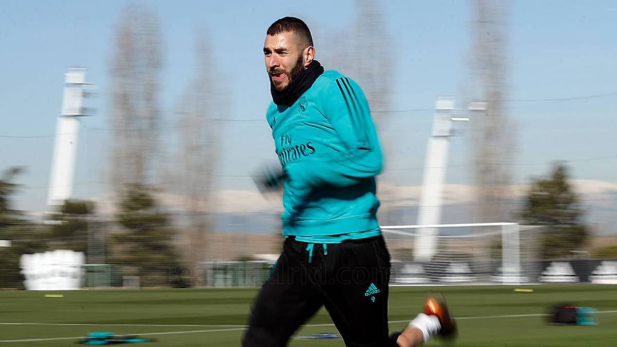 Benzema among the goals as Castilla thrash Argentina youth