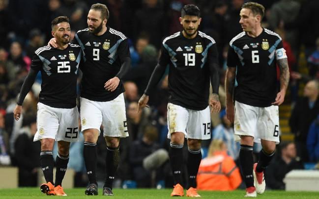 Los jugadores de Argentina contra Inglaterra.