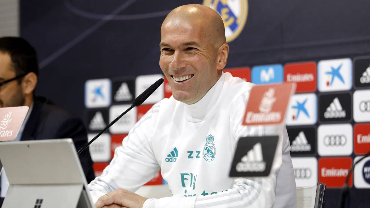 "Zidane: ""Isco is a Real Madrid player and he's going to stay"""