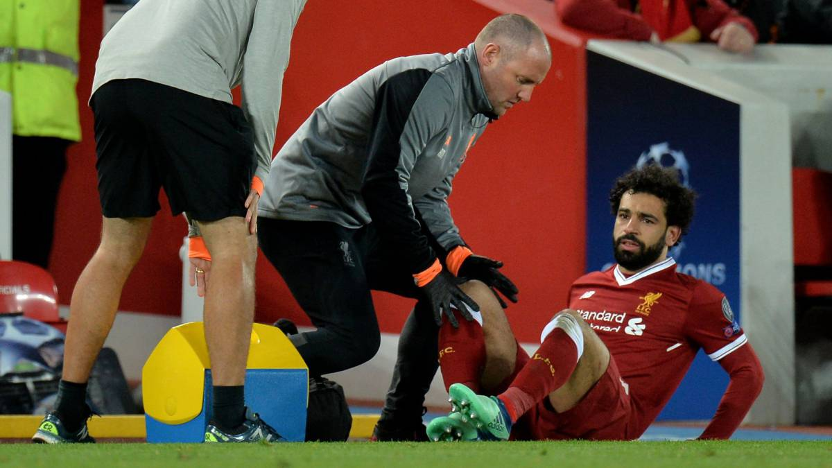 Sounding the alarms at Anfield: Salah off injured against City
