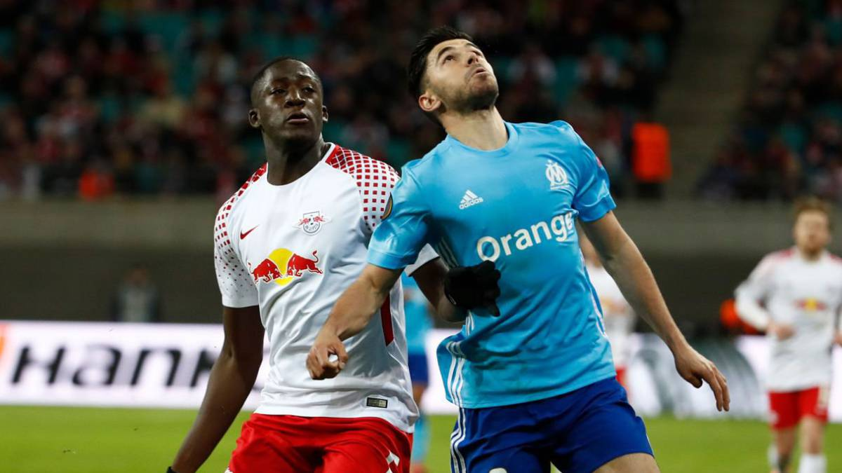 Barcelona ready to sign Leipzig central defender Upamecano