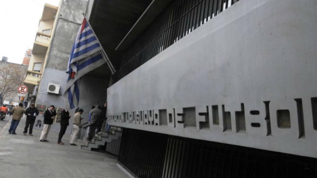 Lío en el fútbol uruguayo: quieren denunciar a la AUF