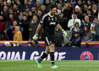 Buffon applauded by Bernabéu after red card