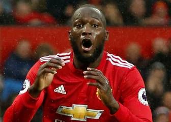 United's Lukaku drops agent Raiola in favour of rapper Jay-Z