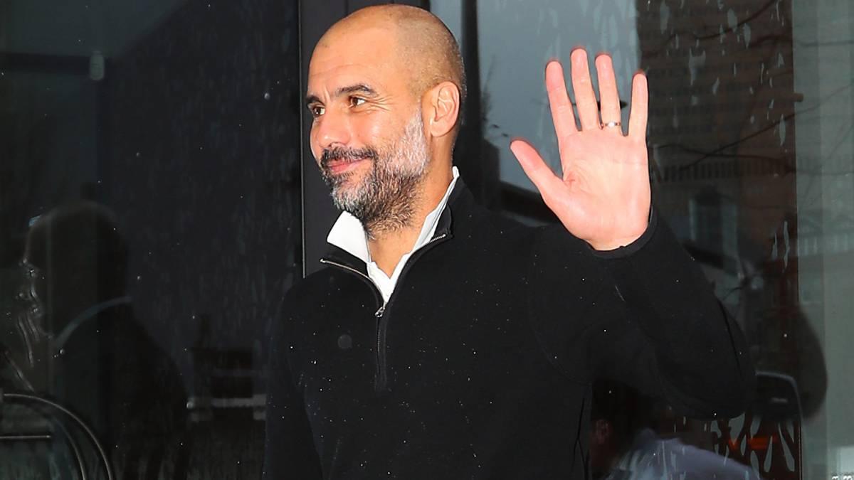 A Guardiola le preguntan por su renovación y él no la confirma...