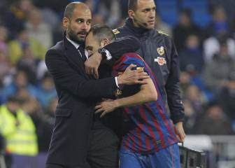 Pep intenta convencer a Iniesta para ir al City en vez de a China