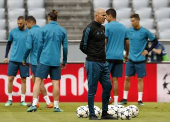 Zidane set to line out with his gala XI in Clásico