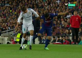 Clásico ref ignored assistant's advice over Suárez foul