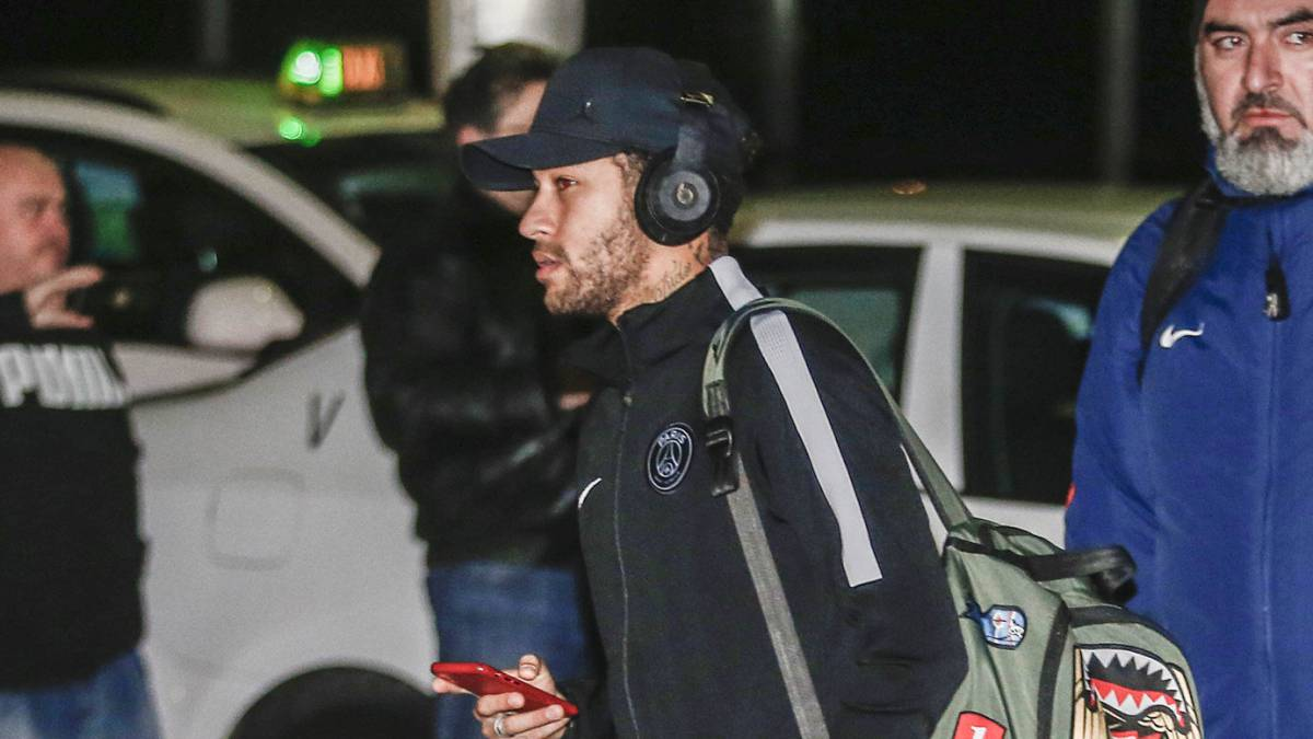 Encantador Entrenador De Fútbol Reanudar La Escuela Secundaria ...