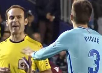 Referee Melero López warns Piqué: