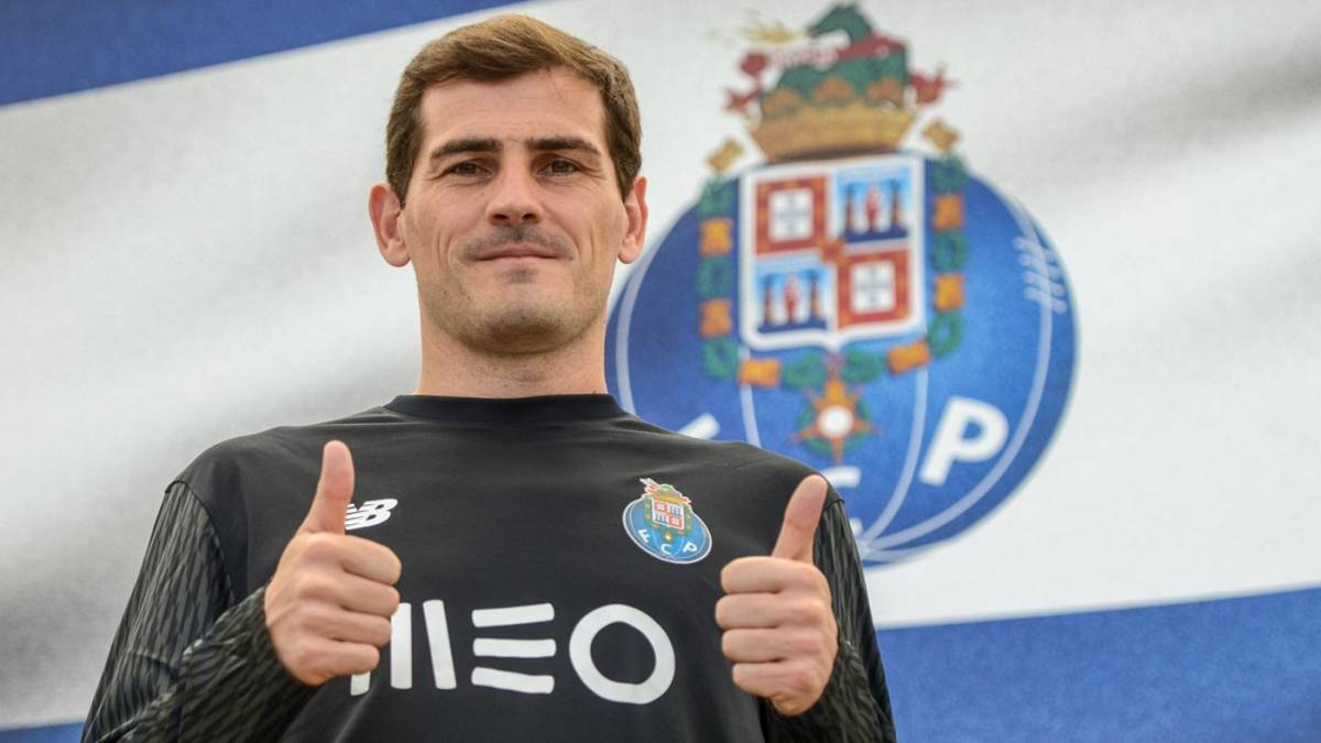 Casillas to continue with Porto for another year