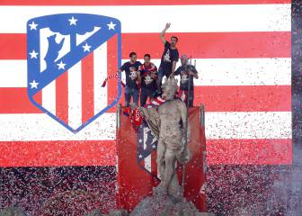 Atlético toast twin triumphs with their people at Neptuno