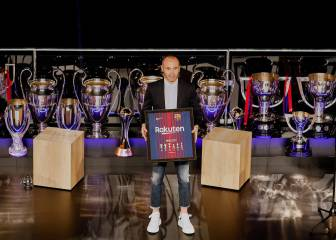 Barcelona pay tribute to Blaugrana legend Iniesta