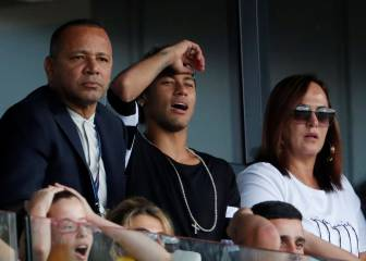 Neymar's mother wants him to leave PSG for Madrid