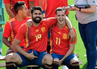 Spain's World Cup squad pose for official photo