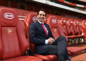 Emery set to pip Mourinho to Sokratis, Fellaini could follow