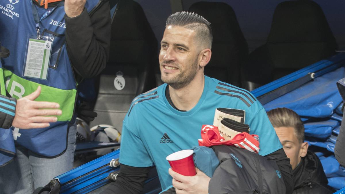 "Real Madrid: ""Casilla wanted to hit Zidane"" over Luca debut"