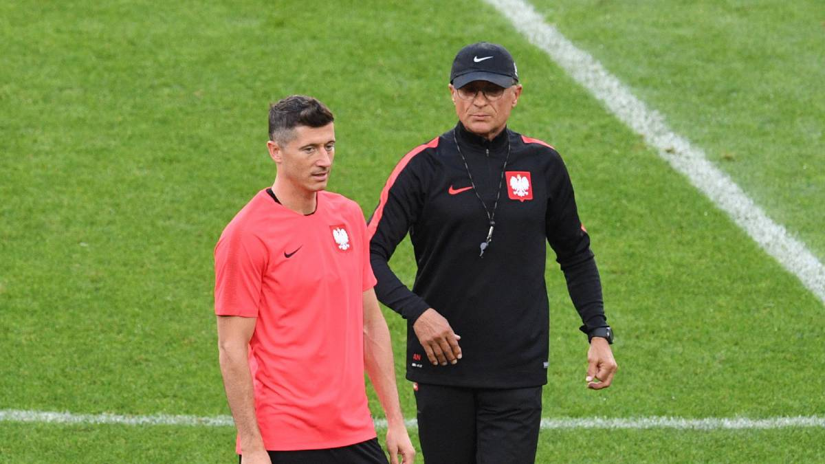 Nawalka con Robert Lewandowski.