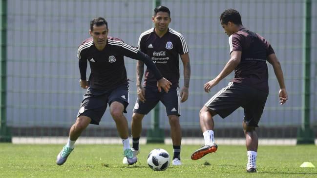 ae7cde084 Training kit free of US branding. Márquez entrena con una camiseta sin  publicidad